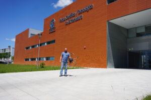 El presidente de la asociación, Ignacio Manuel Cano Rodilla, en la sede de Badajoz del PCTEx